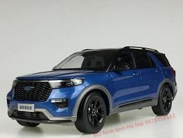 Dealer 1/18 Ford Explorer 2020